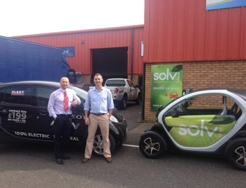 Peugeot iOn meets Twizy
